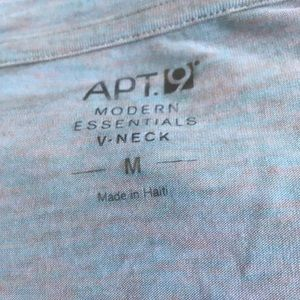 Apt. 9 Tops - Guc med Apt.9 tee shirt